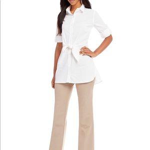 Tops - 🆕 White cotton Classic button down tie front SZ S